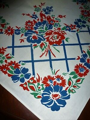 VINTAGE TABLECLOTH FLORAL Roses Daisies Lattice RED WHITE BLUE GREEN Pristine