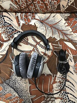 Beyerdynamic DT 880 Edition (250 Ohms) Headband Headphones - Gray/Silver