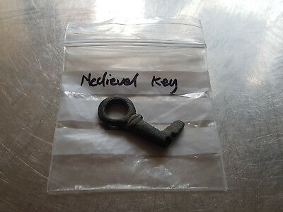 Rare Medieval Key, bronze cast , metal detecting find, Very nice condition