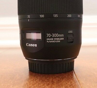 [Mint Condition] Canon EF 70-300mm f/4-5.6 IS II USM Lens (+ basic UV filter).