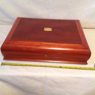 Beautiful Large Victorian Collectors Box With Tray And Great Interior