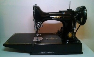 Vintage Singer 221-1 Featherweight Portable  Sewing Machine With Case GEM MINT