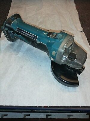 Makita DGA 452 115mm 18volt grinder