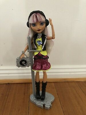 Ever After High, Melody Piper Doll
