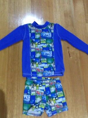 Pumpkin Patch Boys long sleeve swimming Rasher And Shorts Size 4