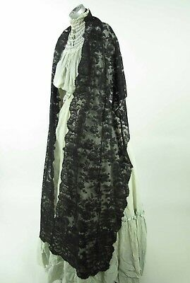 Antique Victorian Heavy Black Lace Shawl In Excellent Condition