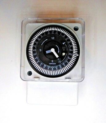 Intermatic MIL72EQTUZH-120 7 Day Time Switch 120 VAC 50/60 HZ W/Manual Override