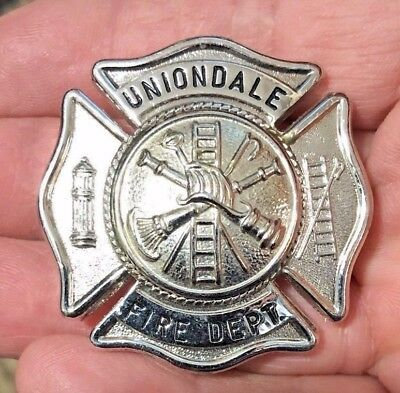 VINTAGE UNIONDALE NEW YORK Long Island NY FIRE DEPT. DEPARTMENT BADGE