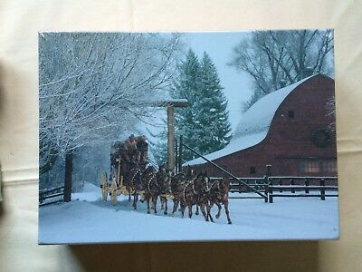 Wells Fargo 500 Piece Puzzle Stagecoach and Barn in Snow NEW
