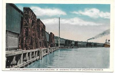 Old white border pc,New Orleans LA, device to unload ships,vessels