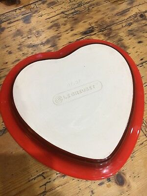 New Le Creuset Large Red Heart Shaped Pie Dish