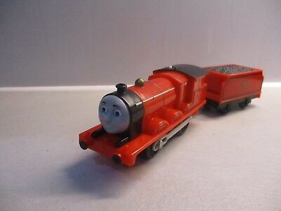 tomy trackmaster thomas the tank engine train james and tender