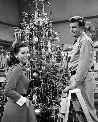 "Elinor Donahue In ""the Andy Griffith Show"" 8X10 Christmas Photo (Ep-388)"