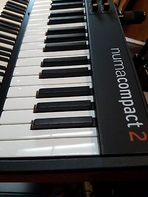 Studiologic Numa Compact 2 semi weighted 88 keyboard w/padded factory zip case