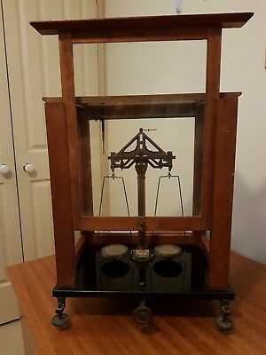 ANTIQUE LABORATORY 2 PAN ANALYTICAL BALANCE - Includes a set of weights