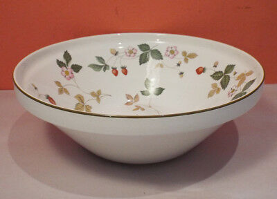 Wedgwood WILD STRAWBERRY Large Vegetable Salad Bowl RARE Green Oven Table R4406