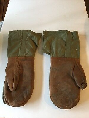 Vintage WWII Mens Type 1 Mittens with Index Fingers And Wool Inserts