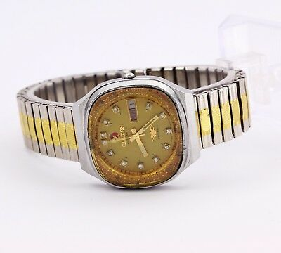 Citizen automatic men's Japan wristwatch, day/date Cal. 8200A, 21 J yellow dial