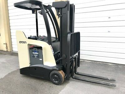 2012 CROWN NARROW Aisle Forklift, 3,000 Lb Capacity with 84