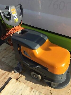 Taski swingo 455 floor scrubber cleaner dryer