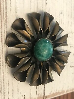 Antique Early 1900s Brass Fluted Daisy Flower w/ Emerald Marble Stone Shoe Clip