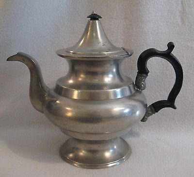 """First Half 19th Cent. unmarked American Pewter Teapot possibly Boardman 7-3/4"""" h"""
