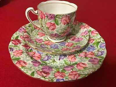 Vintage Royal Standart Fine Bone China England Floral Tea Cup Trio