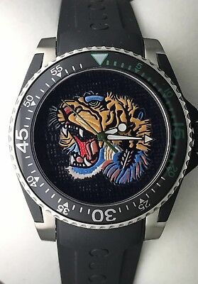 1cdd9ae0919 Gucci Dive Embroidered Tiger Motif Dial Men s Watch YA136318 REAL Photos  RRP£950