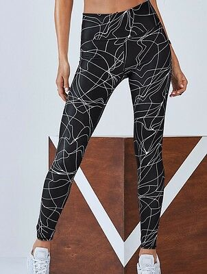 ddd1231ec928b8 Fabletics NWT Lisette High Waisted Legging in Black Micro Linear Choose Size