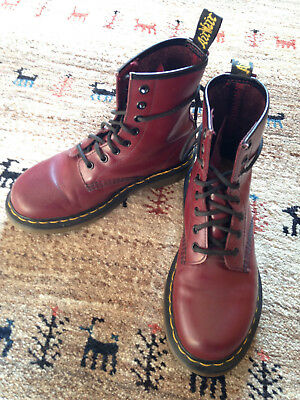 cc7f8127da2 Chaussures Boots Dr Martens femme 1460 Cherry Red Smooth taille Bordeaux  Cuir