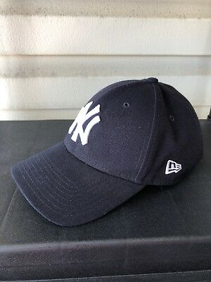 854fe746a6eb3 NEW YORK YANKEES New Era Navy The League 9Forty Adjustable Hat ...