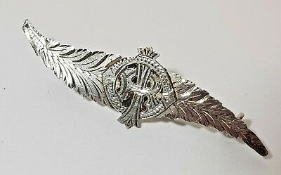 ANTIQUE WWI WARTIME SOLID SILVER LEAF BROOCH Edward Smith CHESTER 1915