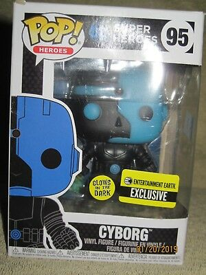 Cyborg Justice League Silhouette Glow-in-the-Dark Pop! Vinyl Figure Exclusive