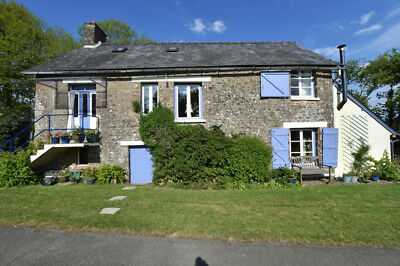 Attractive, Welcoming House With Spacious Garden (Includes car) in France.