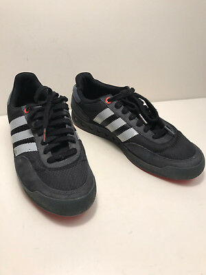 5b9a838b08f88 BLACK ADIDAS APE 779001 TRAINERS 3 STRIPES Size UK 8 - EUR 14