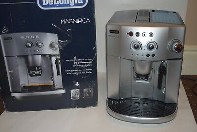 77dfb91a259 DELONGHI MAGNIFICA ESAM 4200 .S Compact Bean to Cup Coffee Machine 1 ...