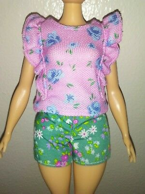 Barbie fashionistas Curvy Doll Ruffle Floral Top & Shorts with Sunglasses New