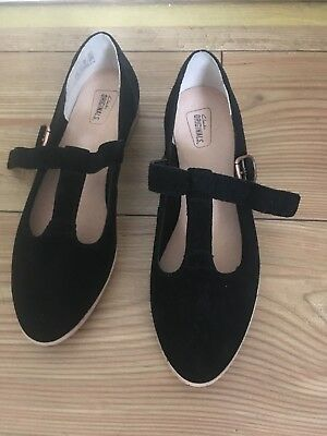 66f0fa5c336 NEW CLARKS WOMENS Leather Shoes Sandals size 4 Black T Bar High ...