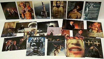"""THE X-FILES"" Season # 2 Topps Trading Card Set (44-pc, 1996, 20th Century Fox)"