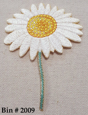 """1pc WHITE / YELLOW  DAISY FLOWER IRON ON EMBROIDERED APPLIQUE PATCH 2 5/8"""" w"""