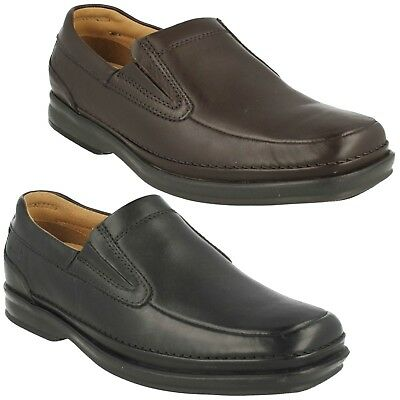 Men/'s Clarks Black Leather Shoes Forbes Step