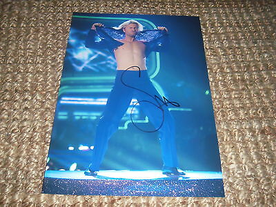 Robbie Savage signed autograph on A4 photo IP