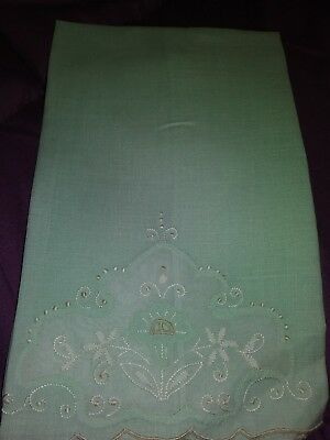 """1 Madeira Embroidered and Applique Linen Hand Towel 16 1/2"""" by 10 1/2"""""""