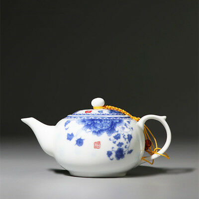 Jingdezhen Blue and White Porcelain Teapot Household White Ceramic Hand Grap Pot