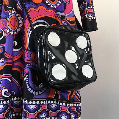 TRUE VINTAGE MOD 1960s NOVELTY BLACK & WHITE DICE VINYL HANDBAG
