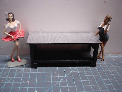 1/18 scale - Wooden WORKBENCH w/ boxes/posters YOUR SHOP/GARAGE/DIORAMA