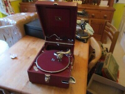 A excellent working Red  HMV 102  gramophone phonograph with key