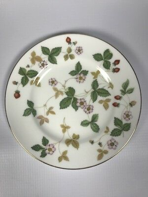 """Wedgwood Wild Strawberry Bone China Made in England 6"""" Bread and Butter Plate"""