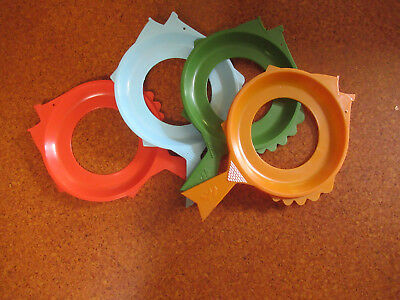 4 Vintage Fish Shaped Plastic Plate Holders Picnic Camping Barbecue