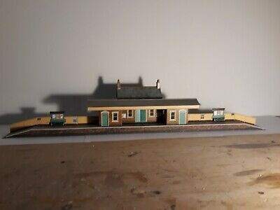 SUPERQUICK COUNTRY STATION & platform building 00 gauge BUILT READY TO USE